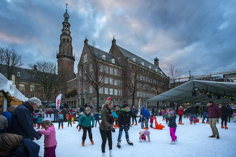 Drijvende ijsbaan Leiden